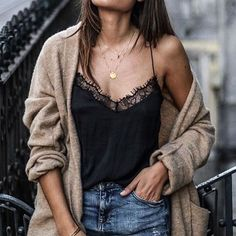 Oversized sweater with a touch of lace
