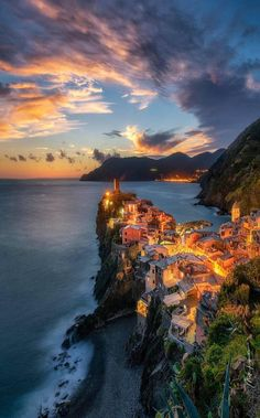 soul-of-an-angel:Vernazza Cinque Terre Italy (Europe) 4k Photography, Places Around The World, Around The Worlds, Beautiful World, Beautiful Places, Wonderful Places, Places To Travel, Places To Visit, Beau Site