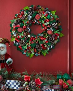 Courtly Christmas Large Wreath