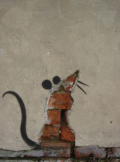 mouse graffiti street art Banksy, London Village Underground - Converse - London Street Art Graffiti Robots in disguise Banksy Graffiti, Street Art Banksy, Graffiti Artwork, Graffiti Drawing, Bansky, Urban Street Art, Urban Art, Land Art, Art Environnemental