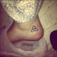i will get this in memory of my pit, Trinity. Trinity Symbol, Trinity Tattoo, Dream Tattoos, Cool Tattoos, Tatoos, First Tattoo, I Tattoo, Tattoos With Meaning, Tattoo Meanings