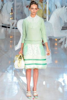 Louis Vuitton Spring 2012 Ready-to-Wear Collection Slideshow on Style.com #bags #fashion