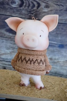 Pig cake wearing a sweater!