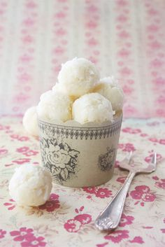 vanilla ice cream balls rolled in coconut