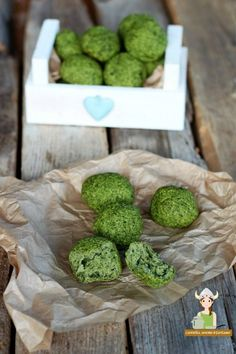 Polpette spinaci e ricotta Easy Healthy Recipes, Healthy Cooking, Baby Food Recipes, Vegetarian Recipes, Free Recipes, Slow Cooking, Cena Light, Light Recipes, Vegetable Recipes