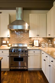 Wooden Country Kitchen Designs with Brown Domination: Great Traditional Kitchen Style Used Country Kitchen Designs Decorated With Brick Wall. Small Country Kitchens, Small Cottage Kitchen, Country Kitchen Designs, Farmhouse Style Kitchen, Modern Farmhouse Kitchens, Kitchen Country, Country Kitchen Backsplash, Floors Kitchen, Kitchen Wood