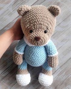 Mesmerizing Crochet an Amigurumi Rabbit Ideas. Lovely Crochet an Amigurumi Rabbit Ideas. Crochet Teddy, Crochet Bear, Cute Crochet, Crochet Animals, Crochet Dolls, Crochet Gratis, Crochet Amigurumi Free Patterns, Amigurumi Tutorial, Crochet Mignon