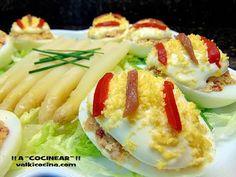 Huevos rellenos de pimientos del piquillo y anchoas | Cocina