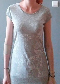 Kup mój przedmiot na #vintedpl http://www.vinted.pl/damska-odziez/bluzki-z-krotkimi-rekawami/9831062-szara-bluzka-z-bialym-nadrukiem