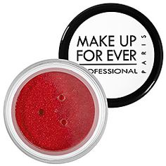 Red eyeshadow (good compilent for green eyes or a green outfit) - Makeup For Ever, Star Powder.