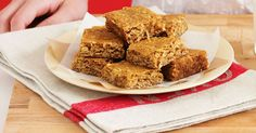 Anzac Slice - What do you get when you combine an Anzac biscuit with a slice? These delectable treats, perfect for tea-time indulgence! Peanut Butter Slice, Coconut Slice, Coconut Bars, Anzac Biscuits, Buttery Biscuits, Cheesecake Toppings, Cheesecake Bites, Peppermint Slice, Jelly Slice