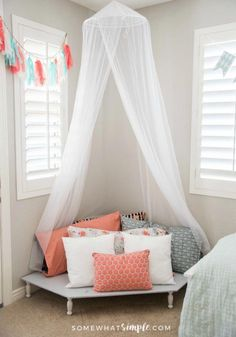Tween Girl Bedroom Decor is part of Tween Girls bedroom - It was time to take down the lady bug decor and let Leah's 10 year old personality shine! Decorating this tween girl bedroom was a ton of fun!