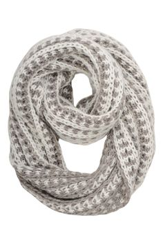 infinity and beyond -  Foulard éternité en mailles 2 tons / Two-tone infinity yarn scarf www.jacob.ca @Boutique JACOB #jacobgifts