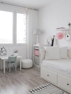 Small bedroom ideas that are look stylishly & space saving « Home Decor Baby Bedroom, Home Bedroom, Girls Bedroom, Bedroom Decor, Bedroom Ideas, Daybed Room, Ikea Daybed, Girl Bedroom Designs, Teen Room Decor