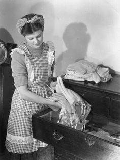 Amateur housewife doing laundry really