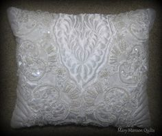 Mary Manson Quilts: Quilt and Pillow from Cindy's Wedding Dress