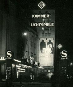 Haus Vaterland am Potsdamer Platz bei Nacht 1930er