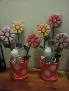 Create these cute flower pots with votives and Smart Scent Melts from PartyLite. A perfect gift for Mother's Day, Teacher Appreciation or as a Thank You for any occasion. Mix and match your scents! Sunflower Canvas Paintings, Home Party Games, Baby Shower Candle Favors, Mothers Day Baskets, Candle Picture, Mason Jar Projects, Party Lights, Burning Candle, Wax Melts