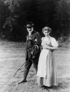 Sigmund Freud and his daughter, Anna Freud. Both of them wrote key thesis for development of psychoanalysis. Very impressive works, characterizing human´s psychic authentically and deeply. Sigmund Freud, Rainer Maria Rilke, Karl Marx, Charles Darwin, Carl Jung, Friedrich Nietzsche, Anna Freud, Nelson Mandela, Ernesto Che Guevara