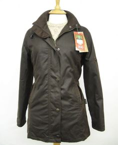 Hunter Outdoor Heritage Deluxe Ladies Fitted Wax Cotton Jacket - Antique Brown This ladies fitted wax cotton jacket by Hunter Outdoor is made in