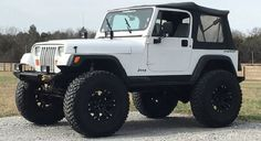 Cool cars 2019 Today's Cool Car Find is this 1994 Jeep Wrangler YJ Jeep Wrangler Yj, Jeep Cj, Jeep Wrangler Unlimited, Jeep Rubicon, Auto Jeep, White Jeep, Badass Jeep, Jeep Wrangler Accessories, Cool Jeeps