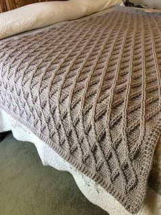 Once Upon A Cable Blanket pattern by Lisa van Klaveren - Patchworkdecke Sitricken Easy Blanket Knitting Patterns, Knitted Afghans, Knitted Throws, Afghan Crochet Patterns, Easy Patterns, Knitting Projects, Crochet Projects, Cable Knit Blankets, Crochet Cable
