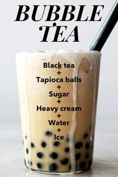 The bubble tea trend is hot right now, and you don't have to spend a fortune enjoying this treat. Learn how to make the best bubble tea (Boba Tea) at home with this step-by-step recipe including photos. Dessert Drinks, Fun Drinks, Summer Drinks, Healthy Drinks, Beverages, Desserts, Boba Tea Recipe, Pearl Tea, Bubble Milk Tea