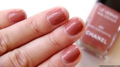 Chanel Le Vernis Nail Rose Confidentiel (swatches)
