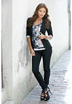 Aww boyfriend blazer, skinny jeans, and high heels how cute you look on this 90lb model. But will you make me look fat?!
