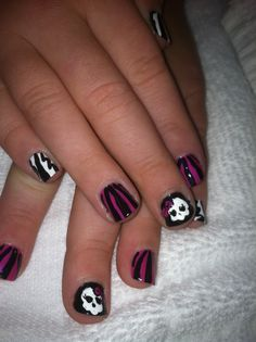Trinitys Monster High nails