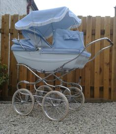 Baby blue and it used to be green Vintage Pram, Prams And Pushchairs, Dolls Prams, Baby Carriage, Beautiful Babies, Kids And Parenting, Baby Blue, Baby Strollers, Infant
