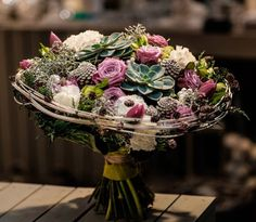 Artist and designer Katarzyna Skrzypulec Fast Flowers, Simple Flowers, Amazing Flowers, Modern Floral Arrangements, Floral Centerpieces, Flower Arrangements, Flower Structure, Birthday Bouquet, Hand Tied Bouquet