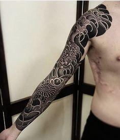 black sleeve tattoo japanese