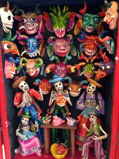 Exquisite folklore characters all hand made out of plaster and hand painted by the Peruvian artist Hlamani in a handmade magic box.