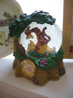 Disney Winnie the Pooh Clock and Snow Globe by luvbabycakes81, $58.00