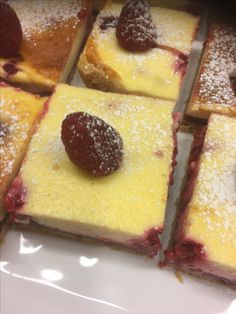 Vadelmarahkapala Cheesecake, Pudding, Desserts, Food, Tailgate Desserts, Deserts, Cheesecakes, Custard Pudding, Essen