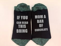 if you can read this bring mom wine ,personalized socks, chirstmas gift, prosecco mom, mom gift, mom christmas gift, mom socks,personalized by personaliseddiamante on Etsy