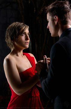Chloe (Allison Mack) e Oliver (Justin Hartley) nell'episodio Masquerade di Smallville