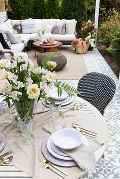 When planning an outdoor summer patio, there are a few elements to keep in mind. Enjoy this collection of inspirational patios as you plan your own! Pergola Patio, Backyard Patio, Backyard Landscaping, Pergola Ideas, Vinyl Pergola, Patio Ideas, Backyard Retreat, Patio Dining, Outdoor Dining
