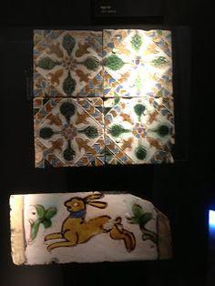 Andalucía, tierra de genios: La cerámica sevillana Antique Tiles, Curtains, Shower, Antiques, Prints, Earth, Art, Rain Shower Heads, Antiquities