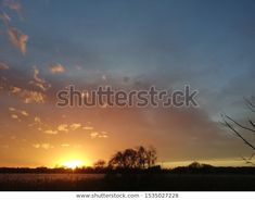 Odkryj Naturalne Wielkopolski stockowych obrazów w HD i miliony innych beztantiemowych zdjęć stockowych, ilustracji i wektorów w kolekcji Shutterstock.  Codziennie dodajemy tysiące nowych, wysokiej jakości obrazów. Celestial, Sunset, Outdoor, Outdoors, Sunsets, Outdoor Games, The Great Outdoors, The Sunset