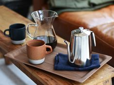 KINTO presents SLOW COFFEE STYLE tray, enjoy the richness of going slow. Inspired by vintage Nordic design, this tray adds an organic touch to your coffee set. Coffee Pods, Coffee Set, Drip Coffee, V60 Coffee, Best Coffee, Coffee Break, Coffee Drinks, Coffee Cafe, Coffee Tamper