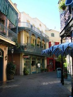 Club 33 is accepting new members! AND there's mention of a special new lounge called 1901. Click to read more!
