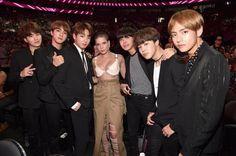 Kim Nam Joon, Kim Seok Jin, Min Yoon Gi, Jung Ho Seok, Park Ji Mim, Kim Tae Hyung, Jeon Jung Kook. BTS!