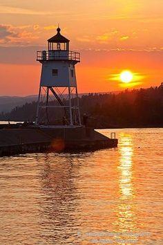 Grand Marais Lighthouse, sunset (Minnesota)