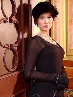 "Mariana Ximenes as Ana Francisca Mariano da Silva Canto e Melo Albuquerque in brazilian novel ""Chocolate com Pimenta"" (2004)."