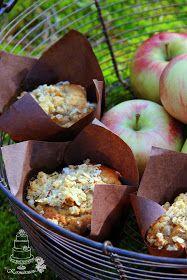 Sain syödä näitä omenamuffinsseja ensimmäisen kerran ystäväni luona ja voin kertoa että ihan meinasi kieli mennä, niin herkkuja olivat....