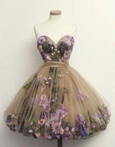 Oh if i were 150lbs less i could totally rock this dress!!