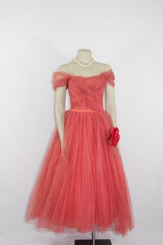 Vintage Prom Party Dress Dark Pink by VintageFrocksOfFancy Vintage Party Dresses, Vintage Prom, Prom Party Dresses, Vintage Outfits, 1950s Fashion, Vintage Fashion, Pretty Dresses, Beautiful Dresses, Party Frocks