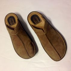 BORN slop on leather clogs Very comfortable.   Have some signs of wear but still ready for more and have lots of life left !  Great quality and stability for your heels and feet! Born Shoes Mules & Clogs